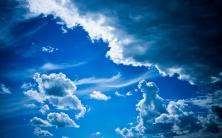 blue-cloudy-sky-2880x1800
